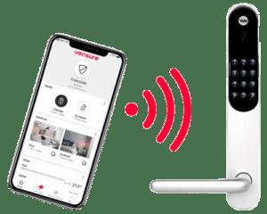 "Yale Doorman kommuniserer med Verisure alarm med ""smart låsmodul"" slik at du skrur av alarmen når du låser deg inn."